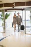 Korisnici,uposljenici i ujedno vlasnici ili zakupci hostel,hotela i svih ugostiteljskih objekata su prvi na udaru pojave stenicama u zemlji i kao takvi bi trebali prvi i da nas pozovu i obrate nam se radi svih daljih konsultacija kako na relaciji gost-osoblje hostela/hotela tako i na relaciji vlasnik/menadzment-agencija