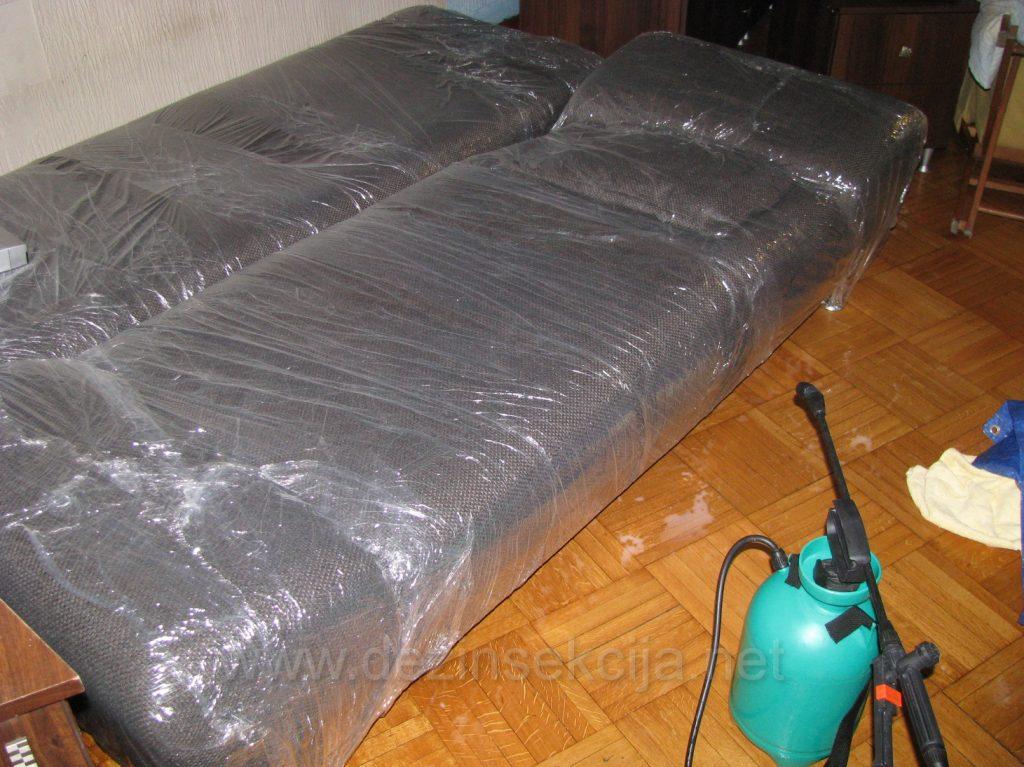 Rolovanje kreveta je 100% dokazana metoda u regulaciji kod kompleksne konstrukcije kreveta gde hemija ne moze uci.Sa nase strane TRL metoda(Tretman,Rolovanje i Lepak) je jedino 100% dokazan.