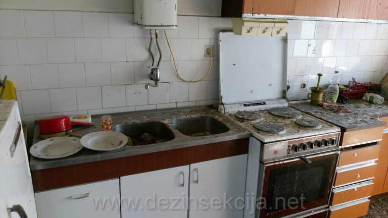 Detalji ciscenje kuhinje.