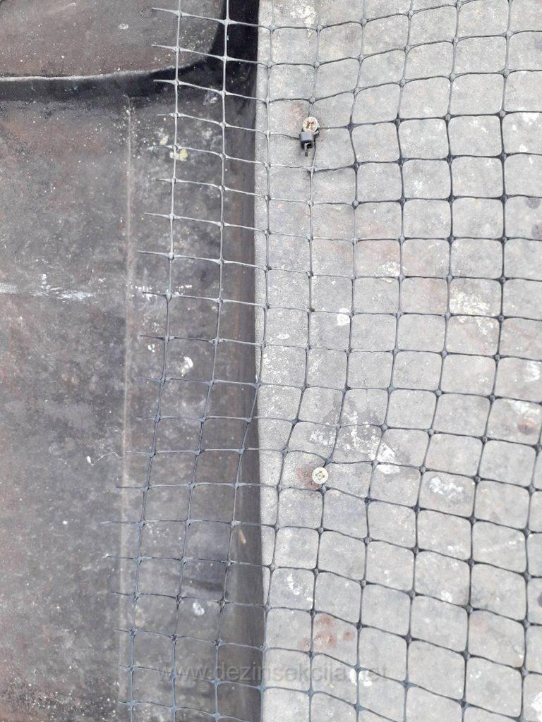 Prikaz resenja odbijanja golubova na otvorenih krovovima i tavanima Beogradskih zgrada.Klik na sliku za prikaz svih detalja.