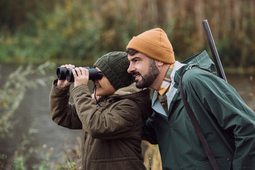 Po izjavama Beogradskih i ostalih turistickih agencija u Vojvodini i centralnoj Srbiji primecena je velika ekspanzija lovackog turizma narocito lovaca turista iz Evropske Unije jer Srbija je jedna od najeftinih drzava u Evropi za dobijanje lovackih kvota i dozvola a sa druge strane briga za reprodukciju divljaci i divljih zivotinja je jedna od najnizih u Evropi racunato po glavi stanovnika upravo u Srbiji.Namece se logicno pitanje sta ce ostati od divljih ruralnih zivotinja sa ovakvim tempom lovackih aktivnosti ne samo od strane domacih vec i od strane inostranih lovackih turista?