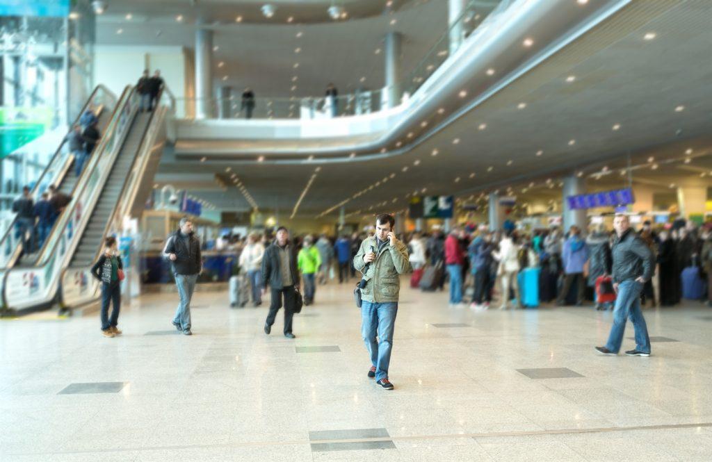 Emigracija kvalifikovane ,obrazovane i iskusne radne snage iz Srbije u platezne,razvijene i pravno sigurne EU drzave je nepovratani i ireverzibilan socijalni,ekonomski i demografski proces.NE samo sto jedan DDD profesionalac ode vec povuce desetine svojih kolega iz Beograda i samu porodicu put platenzih i uredjenih EU drzava.Beograd i Srbija ostaju na nivou 60-ih i 70-ih godina proslog veka stoga u uporedjenju sa nacinima i uslovima rada razvijenih EU drzava u tekucoj 2019-oj godini.