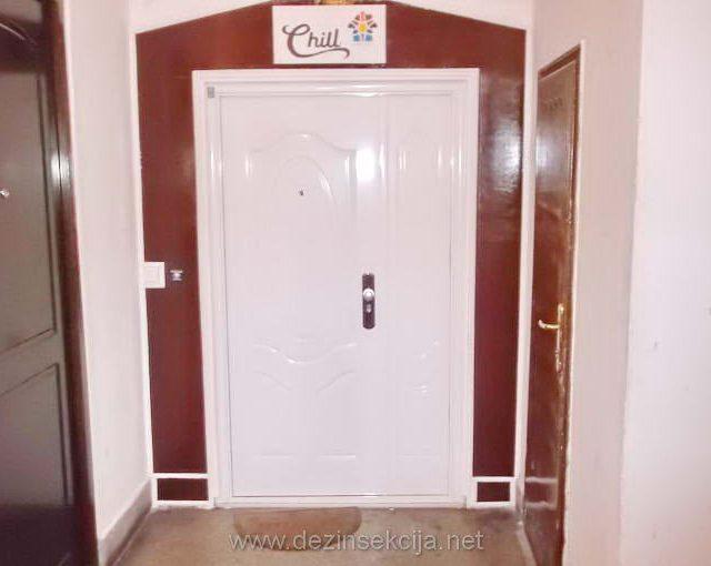 Dezinsekcija hostela i hotela u Beogradu,regulacija krevetnih stenica i buva,kompletna zastita od unosa krevetnih stenica i kompletno odrzavanje hostela u sanitarnom i eko smislu reci.