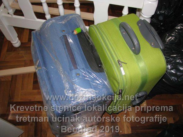 Ako se radi dužem prisustvu stenica i ako Klijent često putuje dajemo predlog vakumiranja kako kreveta sa stenicama tako i putnih torbi.Vakumiranje odnosno rolovanje torbi i kreveta je suštinski važno kako se ne bi od jajašca izlegla nova stenica.