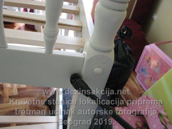 Dezinsekcija stenica u Beogradu i Novom Sadu.Doziranje dečijeg kreveta u Novom Sadu pre par godina.Radna autorska fotografija.